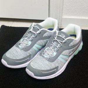 NWOT Comfy Dr Scholls gray memory foam sneakers